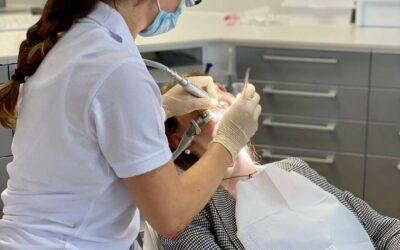 Hanna rockt es bereits mit ihren ersten Patienten! 👩🏻⚕️🦷