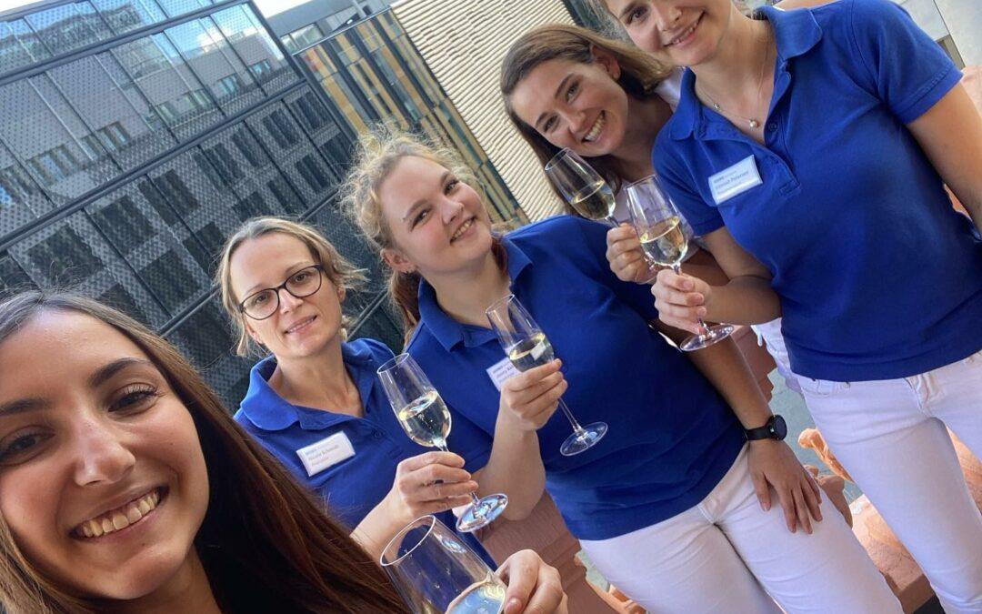 Wir feiern 2 Jahre SOLO Zahnarztpraxis Leipzig 🥂